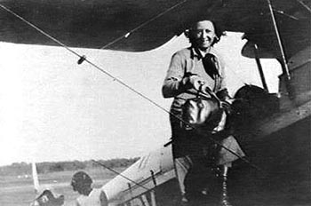 Lores Bonney with her de Havilland DH60 Gipsy Moth, 'My Little Ship'.