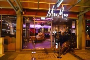 Moo Moo The Wine Bar & Grill
